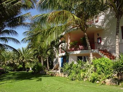 Hotel casa rita oferta margarita for Casas diseno jardines tropicales